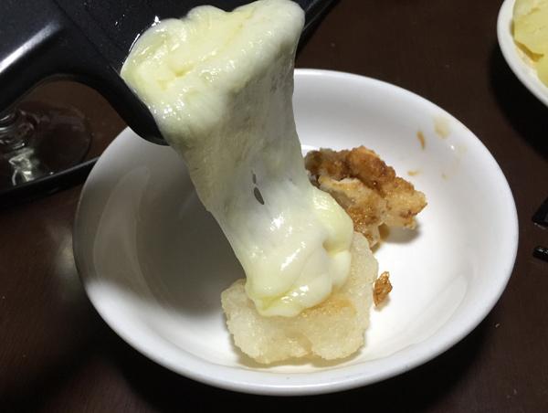 揚げ餅にもラクレットチーズ