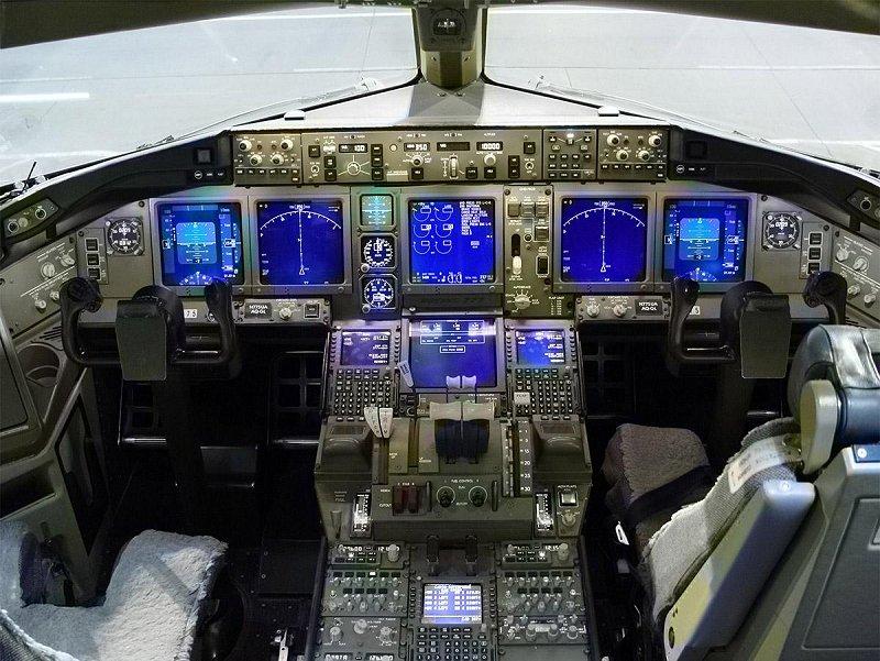 飛行機のコクピット